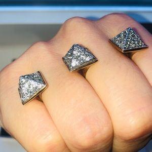 Henri Bendel Two finger ring